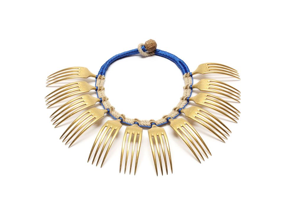 Cordon-bleu_New-Traditional-Jewellery_credits-photo-New-Traditional-Jewellery-2014-Confrontations-photo-Francis-Willemstijn